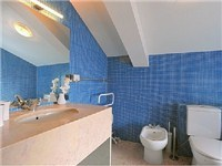 WC1 w/shower (ensuite bedroom 2)