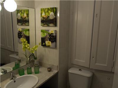 Bathroom 4 (shower)