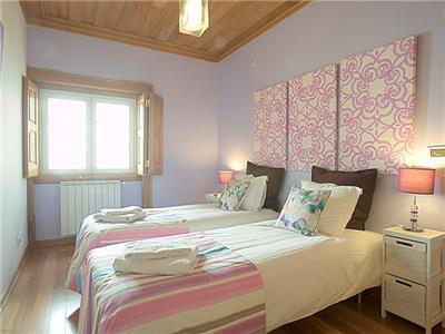 Bedroom 3 (with single beds)