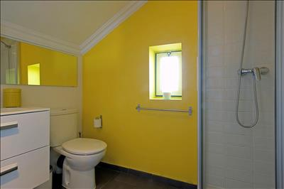 Bathroom upstairs (ensuite)