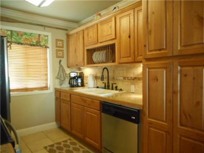 Beautifully remodeled kitchen!