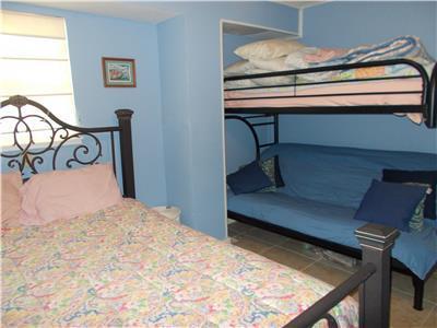 Futon & twin bunk