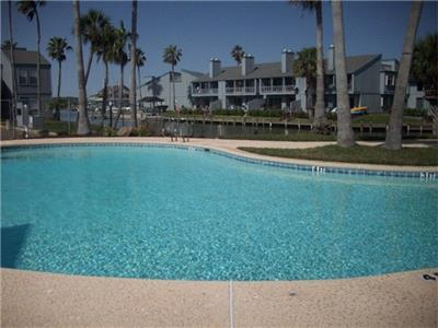 Key Allegro Condo's pool