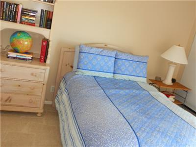 2nd bedroom Full size bed