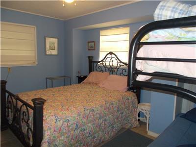 Downstairs Bedroom Queen