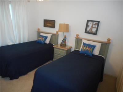1st Guest bedroom with twin beds