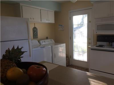 Kitchen/washer & dryer