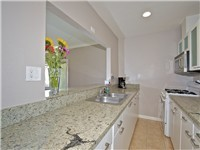 2 BR - fully equipped kitchen