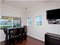 1 BR unit: Dining area with breathtaking views