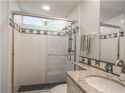 1st level - bathroom with shower