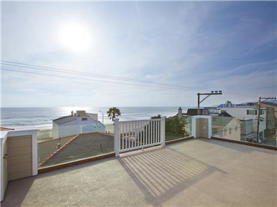 Breathtaking 360 degree views from roof deck