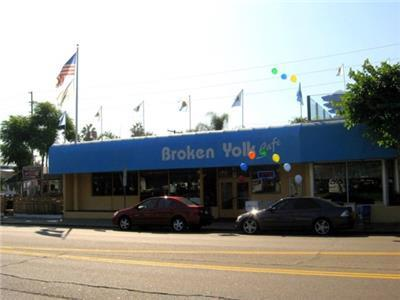 Broken Yolk Café - Restaurant in San Diego