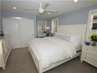 Lower: King bedroom