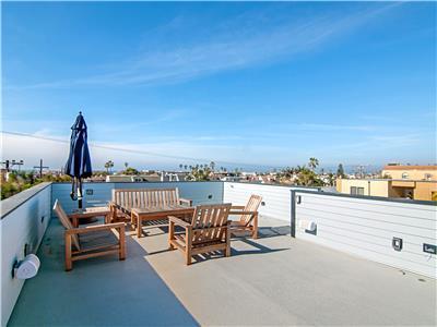 Breathtaking roof top deck