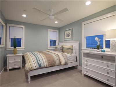 Upper: Queen bedroom