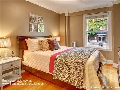 Master bedroom with queen sized bed.