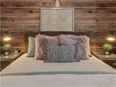 Queen sized bed in ground floor bedroom