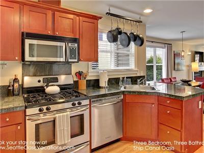 Kitchen, Dinning and Living Room Open Floor plan