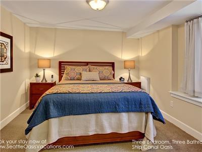 2nd Bedroom with Queen Bedroom