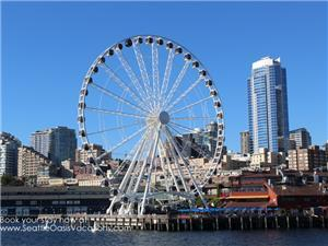 Seattle's Great Wheel along the waterfront.