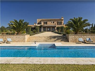 Holiday villa with swimming pool in Mallorca