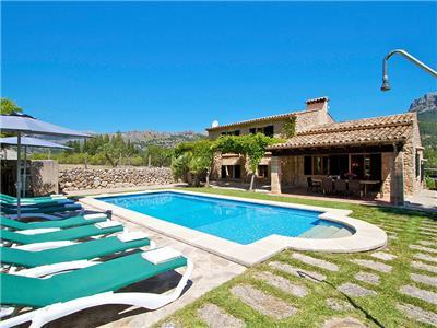 Pollensa holiday villa rental