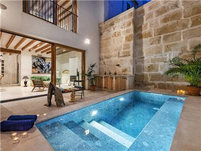 Holiday town house with swimming pool in Mallorca