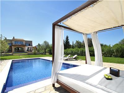Self catering Holiday villa in Pollensa