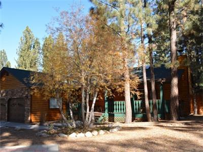 """<p>Getaway #016 is a recent addition to our line up and it offers a great opportunity for you and your family to experience a perfect getaway here in Big Bear.Take 10% off 2 nights or stay 3 nights and receive the 3rd night free. Least expensive night is the night free. Offer valid May 1, 2015 to June 12, 2015.</p><p>Featuring 3 bedrooms and 2 baths in a great upscale neighborhood, this luxury log style home with beautiful mountain style décor and vaulted wood ceilings is breath taking, you get the """"real cabin experience"""" but have all the conveniences and comforts of home! This vacation getaway is ideal for couples or small families with sleeping for up to 7.</p> <ul><li><strong>Perfect location near everything in Big Bear!</strong></li><li><strong>Walk to restaurants and shops</strong></li><li><b>Fully fenced backyard</b></li><li><b>Large deck with Propane BBQ and log style patio furniture</b></li><li><strong>Large lot perfect for year round enjoyment</strong></li><li><strong>Wonderfully quiet and upscale neighborhood!</strong></li></ul><p>This discount should auto apply. To receive this discount, you may book online,<a href=""""javascript:void(location.href='mailto:'+String.fromCharCode(67,104,97,114,108,105,101,64,98,105,103,98,101,97,114,103,101,116,97,119,97,121,46,99,111,109)+'?subject=Getaway%20%23002%20%2010%25%20off%20special%20inquiry')"""">email Charlie@bigbeargetaway.com</a>, or give us a call at 909-585-1547.</p>        <p></p> - 7512"""
