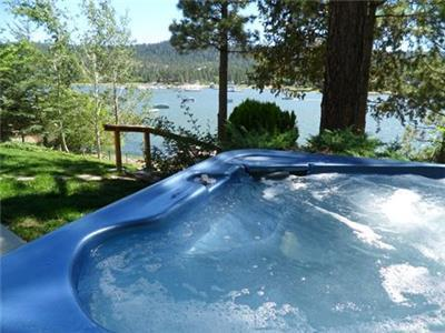 <p>Thanksgiving Special 15% off 2 nights or 20% off 3 or more nights.  Offer valid on stays completed between 11/24/15 to 11/30/15.</p><p>Lakefront Getaway - with a deepwater dock!</p><p>Luxury 3 bedroom right on the lake - fully fenced</p><p>Amazing lake and mountain views!</p><p>Enjoy a backyard BBQ or a day on the lake</p><p>Open great room living with pool table, baby grand piano</p><p>Hot Tub overlooking panoramic lake views!</p><p>Game Room Loft with Ping Pong Table</p><p></p> - 11645