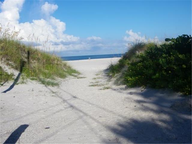 Heilwood Beach Access