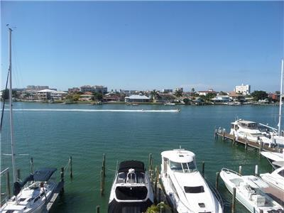 Weekly Beach Rentals with a Pool in Clearwater