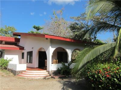 Two-bedroom house in Nosara