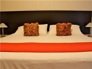 Hotel quality sheets and mattress