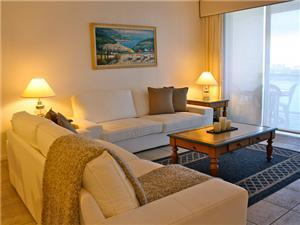 Fully furnished vacation luxury
