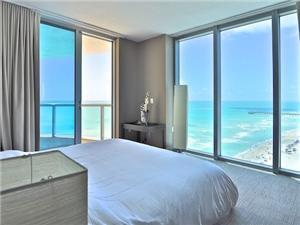 Apartment in Sunny Isles Beach