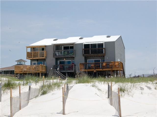2 Bedroom, 2.5 bath, Gulf front, Great views, Pet friendly.