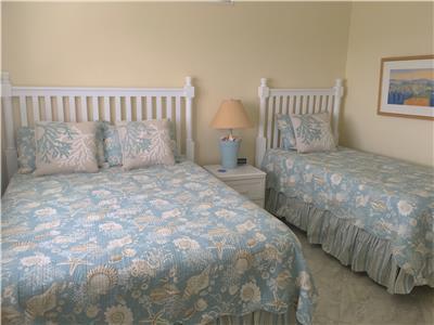 Guest Bedroom - Queen/Twin