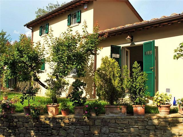 La Fantastica, Cottage - Tuscan Retreat in Cortona, Elegant Country Cottage, Sleeps 6
