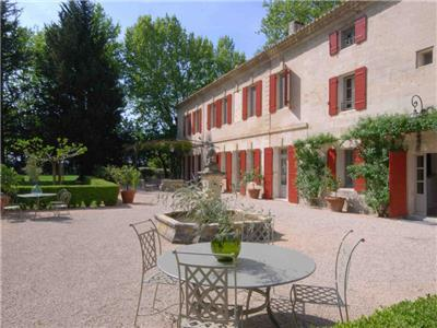 Country House in Beaucaire