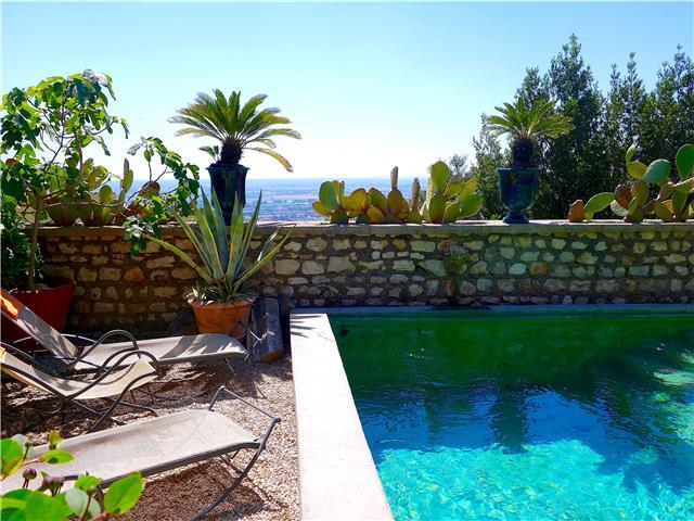 Sermoneta, Stone House with Pool, in a Fairy-Tale Hill-Town Close to Rome and Naples