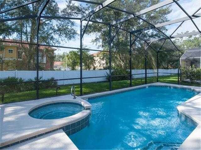 SEASONS-(1075SB) - 5BR 4.5BA Home, 3 Master Suites, Pool & Spa, close Disney