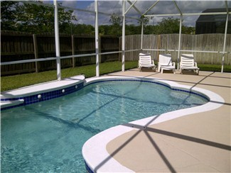 EAGLE POINTE (699EP) - 4BR 2BA Villa with private pool, fenced backyard for privacy