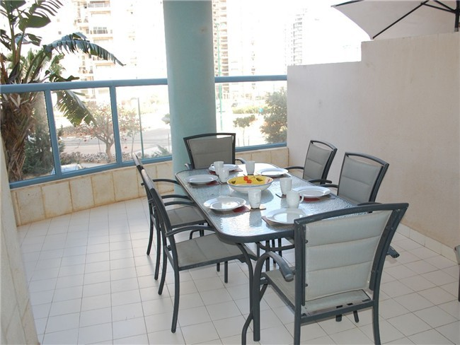 Elegant 3 Bedroom Apartment, Ramat Poleg, Netanya - MB01K