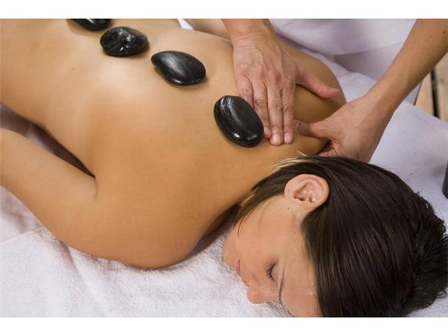 Adrienne  Levinson - Hot Stone Massage