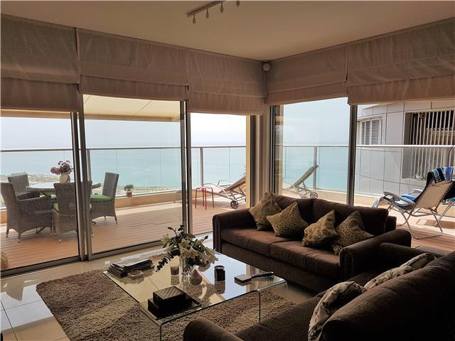 Wrap-around balcony, sea view and pool BB17P