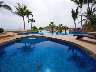 Beautiful pool overlooking Chileno Beach