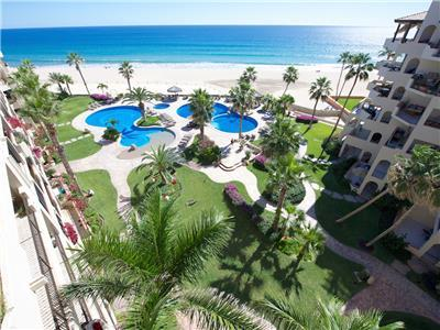 El Zalate has tropical plants and beachfront pools