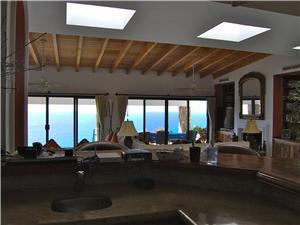 The entire Villa has amazing ocean views