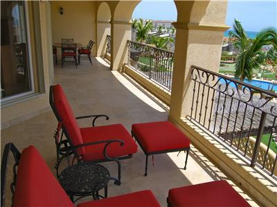 Furnished terrace with a view of the Sea of Cortez